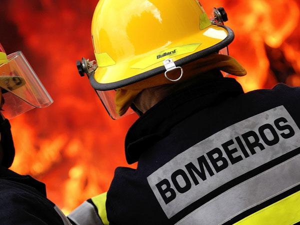 Resultado de imagem para BOMBEIRO