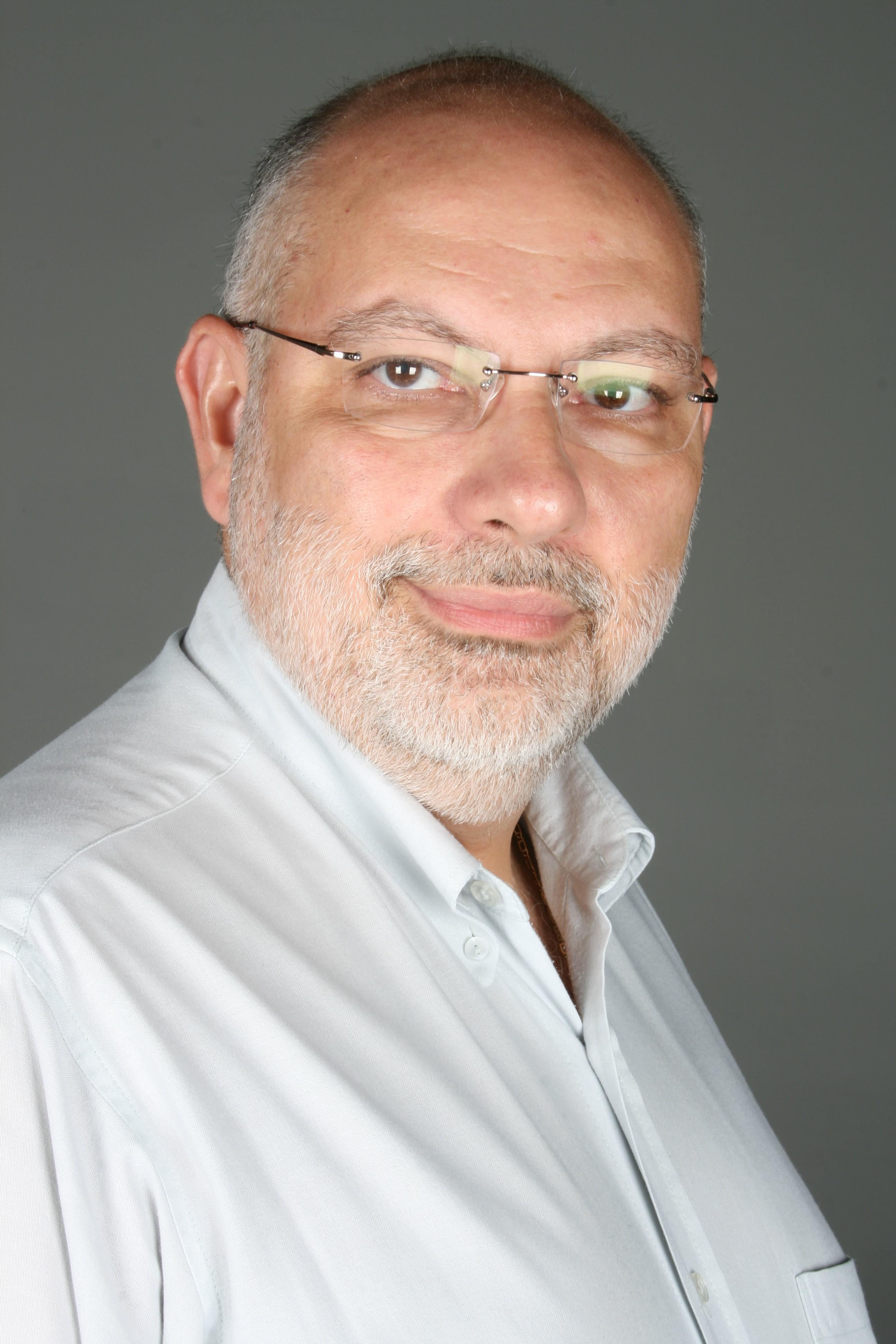 Prof. Osmar Pastore - Auditoria, Estatística, Administração
