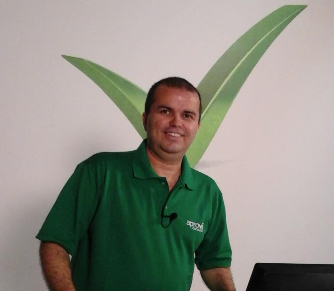 Prof. Pólux Martins